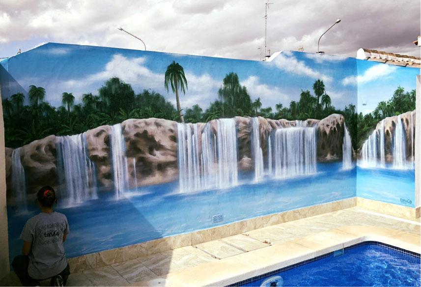 mural en el patio de casa