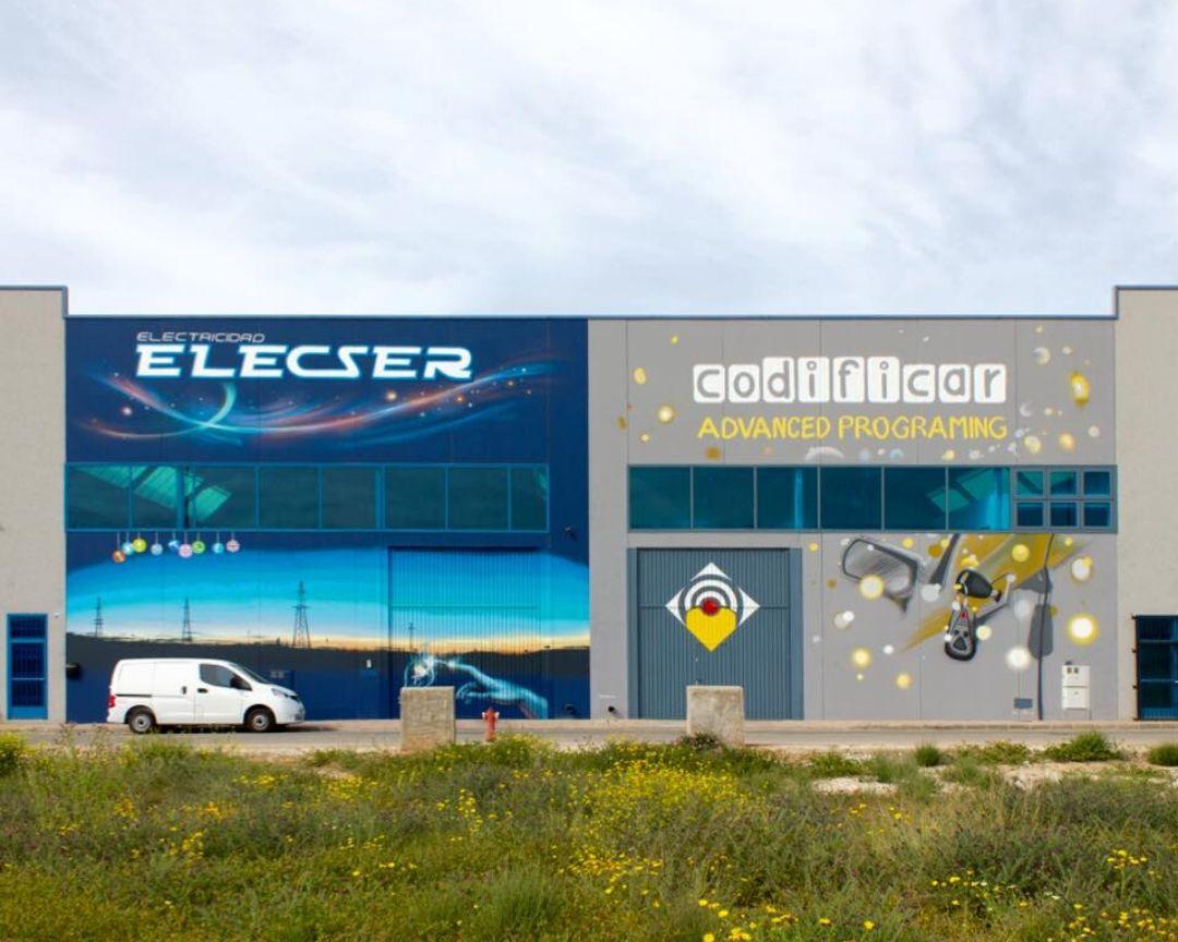 mural fachada nave electronica