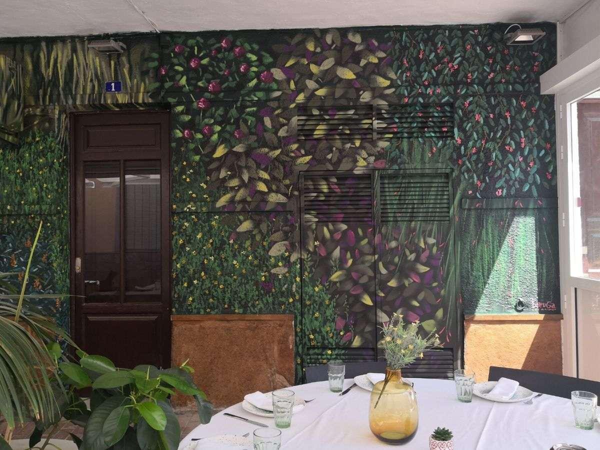 mural restaurante vegetacion