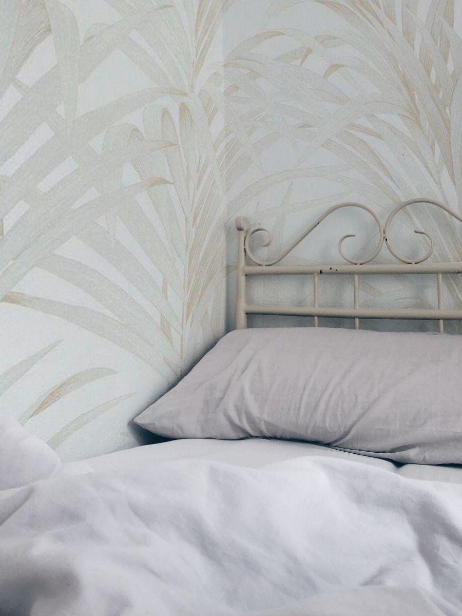 pared hojas blanco dormitorio